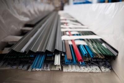 Malowane proszkowo profile aluminiowe - Alakiernia Lębork